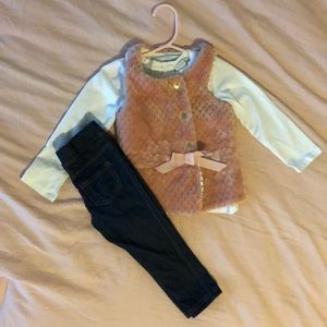 Tahari 3 piece outfit- vest, top and jeggings